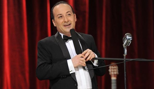 Tolga Çevik, 'Müdür Ne'aptın? ile güldürmeye devam ediyor!