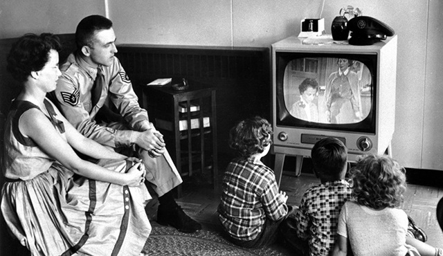 75 yıl önce yayınlanan ilk televizyon reklamını izlemek ister misiniz?