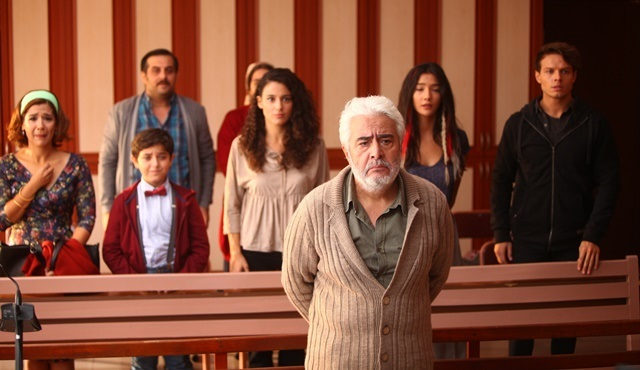 Familya | With or against Yaşar? The family needs to make a decision