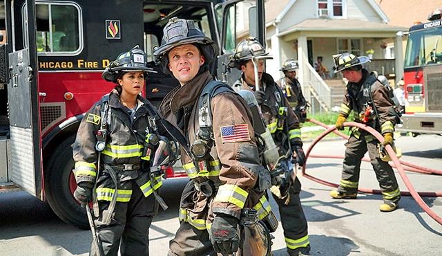 NBC, Chicago Fire ve Chicago P.D. ile yola devam kararı aldı