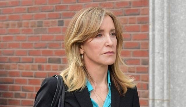 Netflix, rüşvet skandalının ardından Felicty Huffman'ın filmini programdan çıkardı
