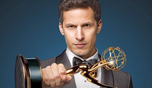 Sinir krizi geçirtmeyen Emmy töreni yapmışlar