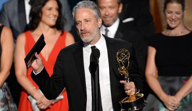 Jon Stewart, HBO ile anlaştı