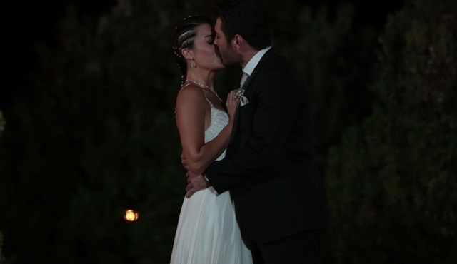 ''Düğün gecesi eski sevgili öpülür mü?'' Düğüm Salonu, bu sorunun cevabını arıyor!