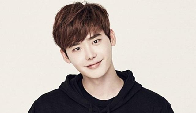 Lee Jong-suk, Jade Lover ve W adlı iki dizi ile birden ekranlara dönüyor!