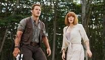 Jurassic World'ün devam filminin ismi belli oldu ve posteri yayınlandı