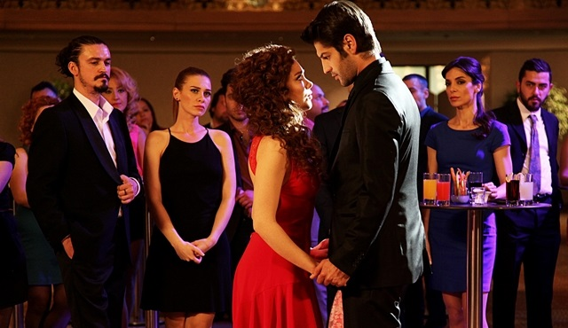 Nisan ve Sinan'in romantik tango gösterisi, dün akşama damgasını vurdu!