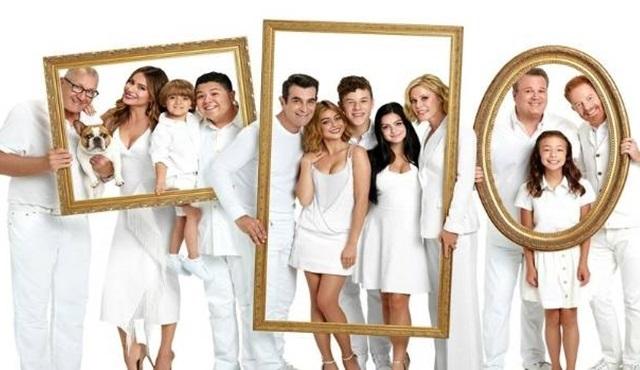 Julie Bowen, Modern Family'nin 10. sezonunun final sezonu olduğunu açıkladı