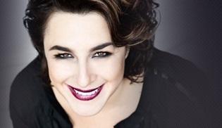 Esra Dermancıoğlu, Bir Hülya Avşar Sohbeti'ne konuk oluyor!