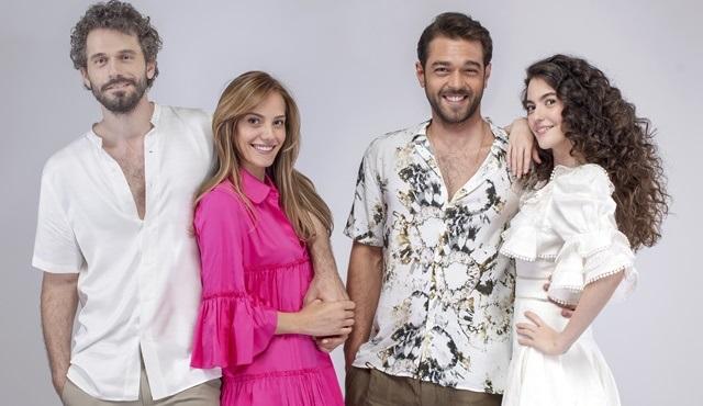 Çatı Katı Aşk dizisi oyuncuları fotoğraf çekiminde bir araya geldi!