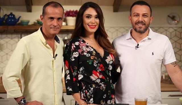 Memet Özer ile Mutfakta'nın bu haftaki konukları Zuhal Topal ve Korhan Saygıner!