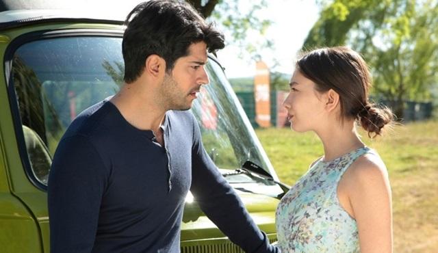 Kara Sevda'da Kemal ve Nihan'ın aşk dolu anları