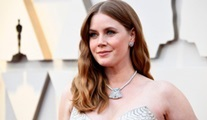 Amy Adams, Netflix'in Kings of America dizisinin kadrosunda