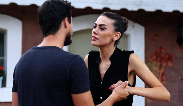 Sen Benimsin: Nağme tries to open Ejder's eyes