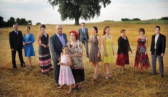 Yaprak Dökümü dizisi yeniden Kanal D'de ekrana geliyor!