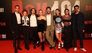 Aşk 101 dizisi oyuncuları yeni sezonu hayranlarla kutladı!
