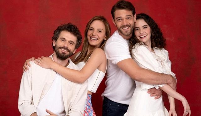 Çatı Katı Aşk dizisinin başrol oyuncuları diziyi anlattılar!