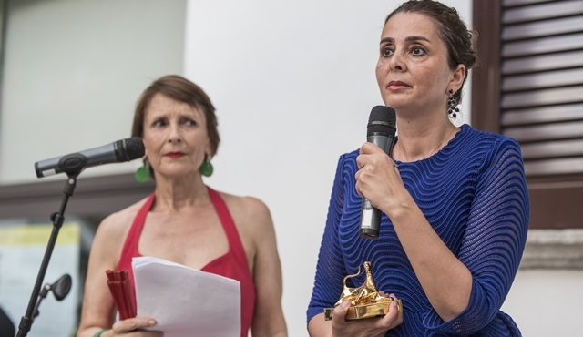 """Harika Uygur, Locarno Film Festivali'nde """"Avrupa Cast Direktörü"""" ödülünü aldı!"""