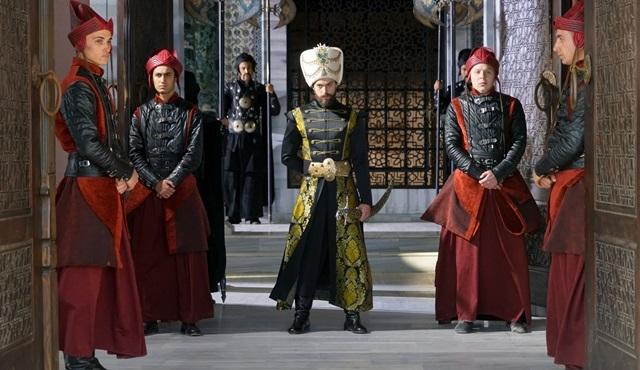 Sultan Murad ihanetlerle sarsılıyor!