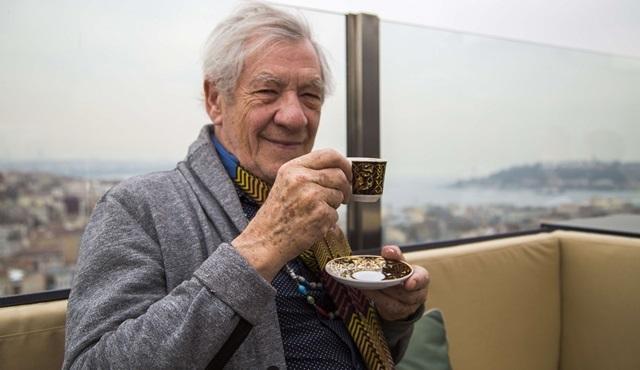 Ian McKellen'a İstanbul'da sıcak karşılama!