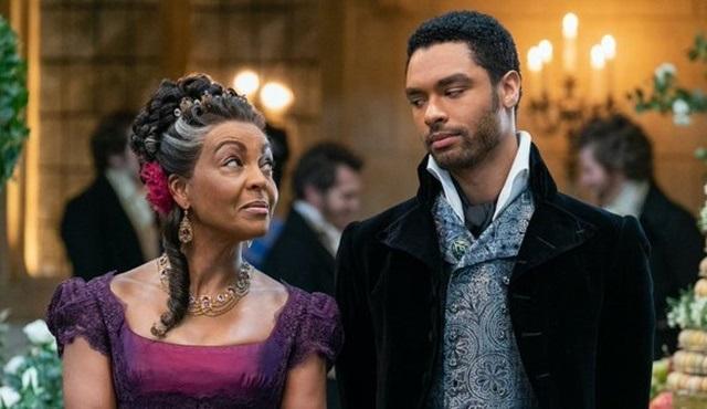 Netflix, romantik dönem dizisi Bridgerton'ın resmi fragmanını paylaştı
