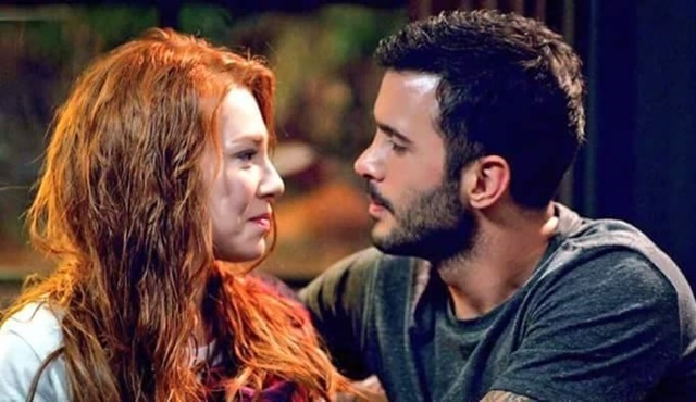 Kiralık Aşk: Defne gives her answer to the proposal