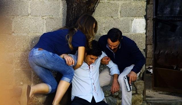 Kalbim Ege'de Kaldı: Zeliş accepts Yaman's offer to save Mustafa