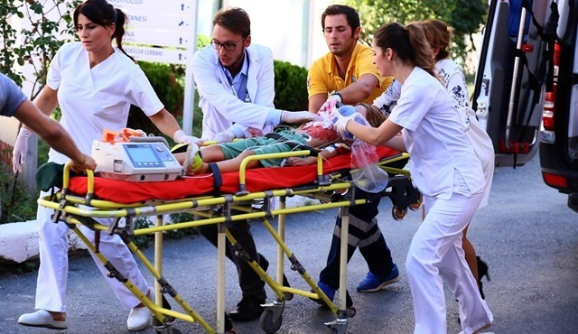 Poyraz Karayel: Sinan is struggling for life at the hospital