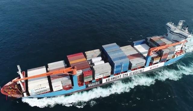 Netflix, Narcos'un tanıtımı için Boğaz'dan gemi geçirdi: Kolombiya'dan sevgilerle!