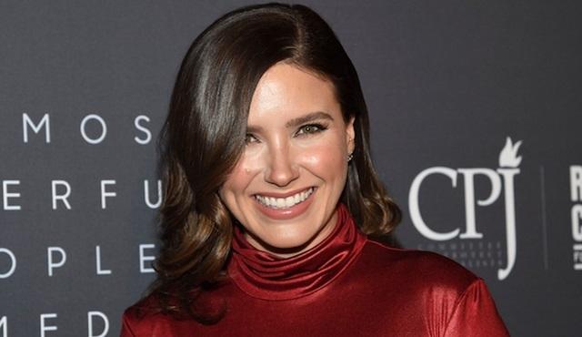 Love, Simon'ın dizi uyarlamasının kadrosuna Sophia Bush da dahil oldu