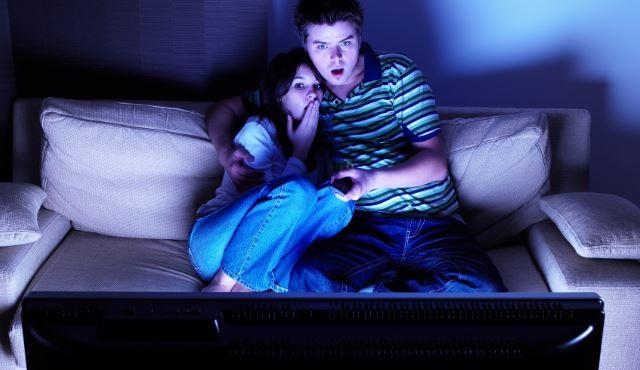 Erkek gözüyle: Sevgiliyle izlenecek 10 dizi
