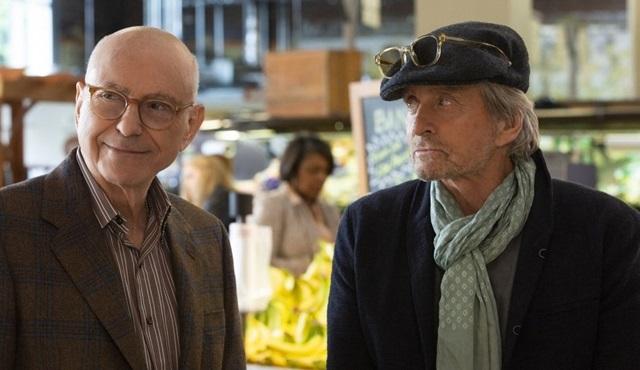 Netflix'in Michael Douglas'lı dizisi The Kominsky Method'dan yeni tanıtım geldi