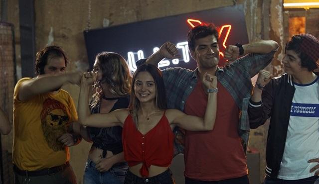 Özgür Dünya filmi Tv'de ilk kez Fox Türkiye'de ekrana gelecek!