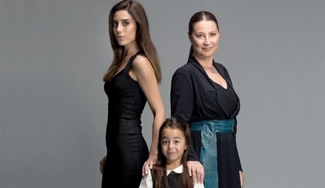 Star Tv'de yayınlanacak Anne dizisinden afiş yayınlandı!