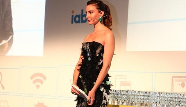 MIXX Awards Türkiye Ödül Töreni'ni bu yıl Ece Sukan sundu!