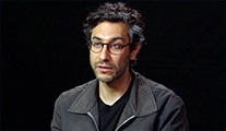 Ramin Bahrani: Filmde gerçek kitaplar yaktık, acı vericiydi