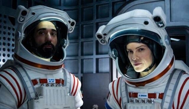 Netflix'in yeni uzay draması Away, 4 Eylül'de başlıyor!