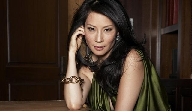 Lucy Liu yönetmenliğe soyunuyor!