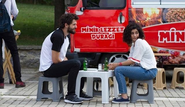 Sosyal TV | Seviyor Sevmiyor sosyal medyada da birinci!