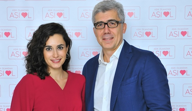 Hande Doğandemir ve Prof. Dr. Mete Güngör, ''Aşık Olmadan Aşı Ol'' projesini anlattılar!