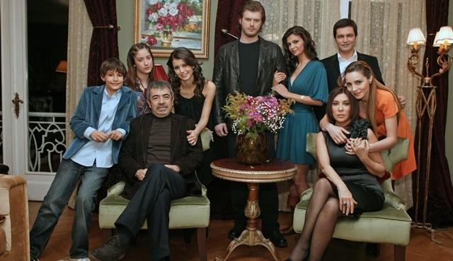Efsane dizi Aşk-ı Memnu, Kanal D'de geri dönüyor!
