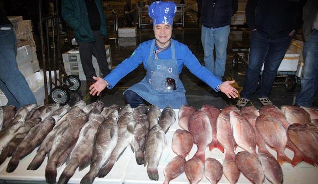 Oktay Usta'dan balık haline sürpriz ziyaret!