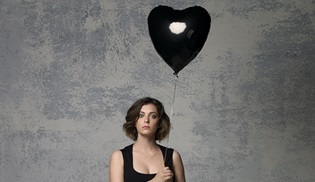 Crazy Ex-Girlfriend 3. sezonuyla ekranlara dönüyor!
