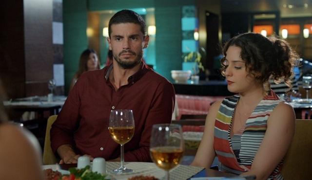 İlişki Durumu: Evli | Ceyda's kiss angers Ayşegül