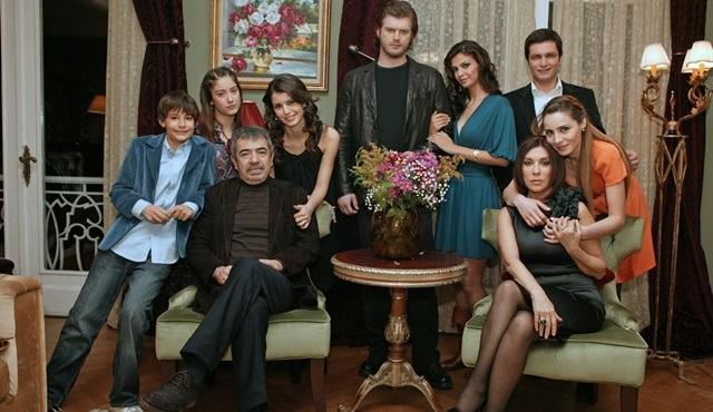 Aşk-ı Memnu dizisi yeniden Kanal D'de ekrana gelecek!