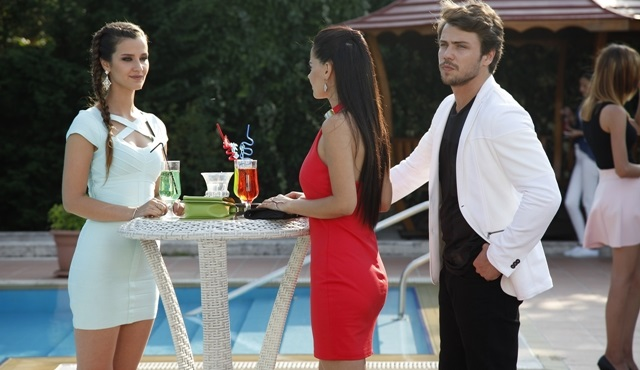 Güneşin Kızları: Thing don't calm down between Nazlı - Savaş and Ali - Selin
