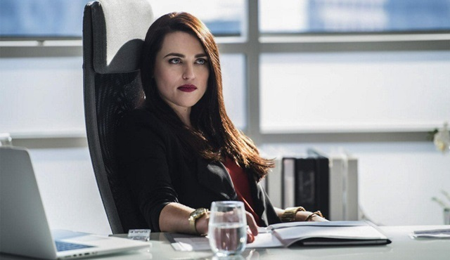 Katie McGrath, Supergirl'de ana kadro oyunculuğuna yükseldi