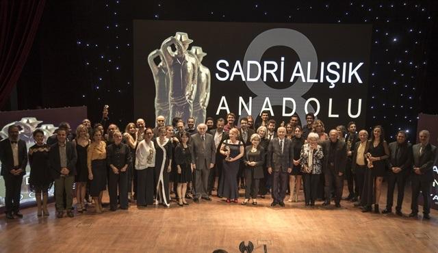 8. Sadri Alışık Anadolu Tiyatro Oyuncu Ödülleri sahiplerini buldu!