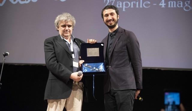 Ali Vatansever, Bari Uluslararası Film Festivali'nde En İyi Yönetmen Ödülü'nü kazandı!