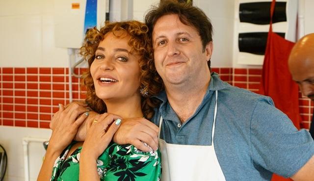 Çakallarla Dans 5 filminde Servet ve Fatma'nın aşkı son hız devam ediyor!